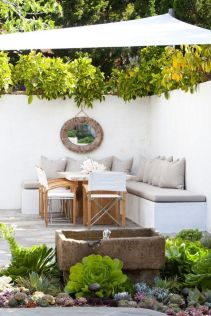 Small courtyard garden with seating area design and layout 17