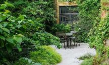 Small courtyard garden with seating area design and layout 28