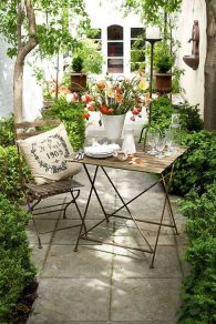 Small courtyard garden with seating area design and layout 66