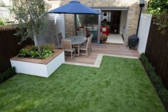 Small courtyard garden with seating area design and layout 8
