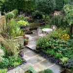Small courtyard garden with seating area design and layout 90