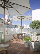Amazing Rooftop Porch and Balcony Inspirations 37