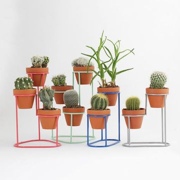 Cool Plant Stand Design Ideas for Indoor Houseplant 27