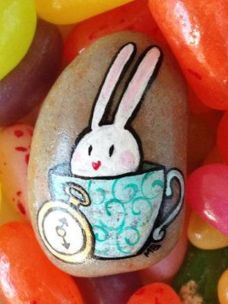Creative DIY Easter Painted Rock Ideas 11