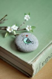 Creative DIY Easter Painted Rock Ideas 42