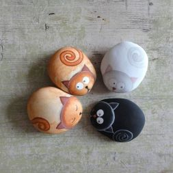 Creative DIY Easter Painted Rock Ideas 56