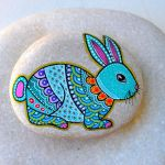 Creative DIY Easter Painted Rock Ideas 70
