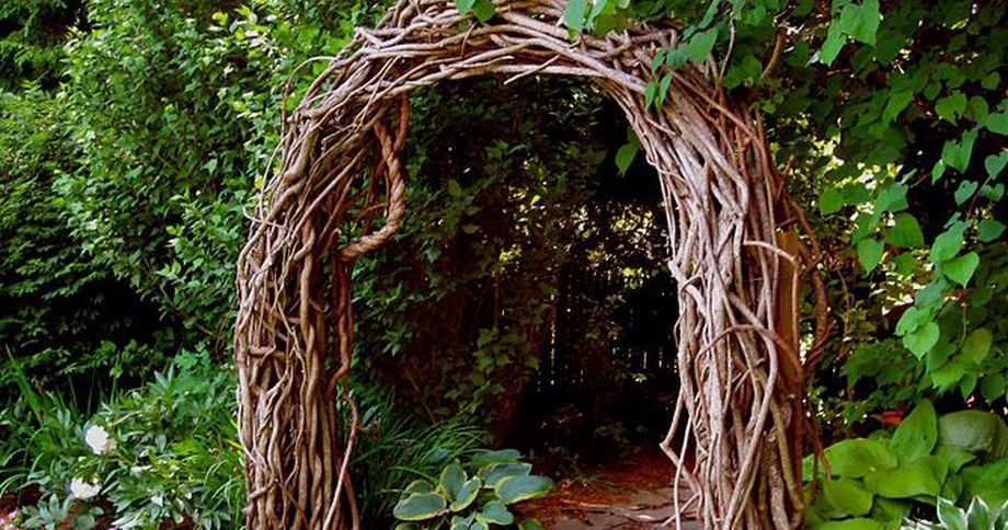 Creative DIY Garden Archway Design Ideas