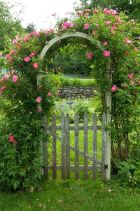 Fascinating Garden Gates and Fence Design Ideas 22