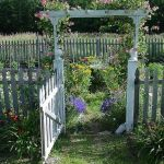 Fascinating Garden Gates and Fence Design Ideas 27