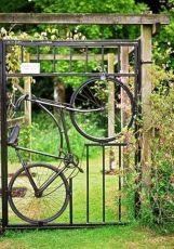 Fascinating Garden Gates and Fence Design Ideas 50