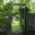 Fascinating Garden Gates and Fence Design Ideas 60