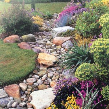 Inspiring Dry Riverbed and Creek Bed Landscaping Ideas 53