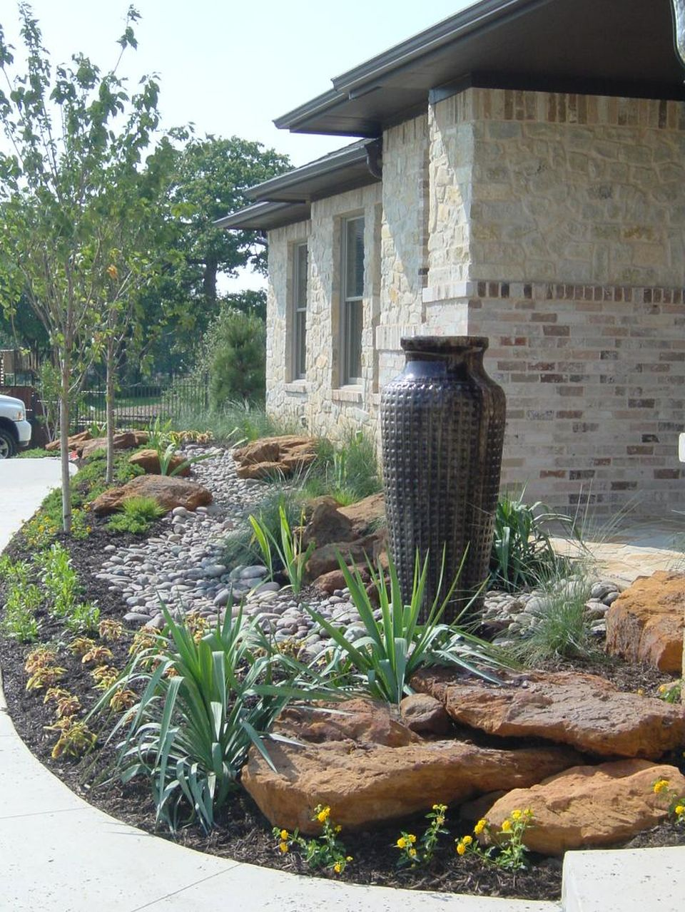 Inspiring Dry Riverbed and Creek Bed Landscaping Ideas 57