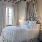 Lovely Romantic Bedroom Decorations for Couples 29