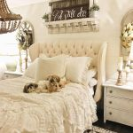 Lovely Romantic Bedroom Decorations for Couples 47