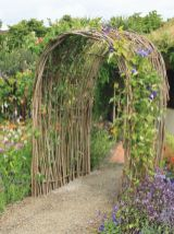Stunning Creative DIY Garden Archway Design Ideas 3