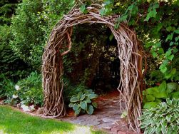 Stunning Creative DIY Garden Archway Design Ideas 32