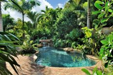 Stunning Outdoor Pool Landscaping Designs 48