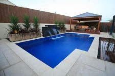 Stunning Outdoor Pool Landscaping Designs 69