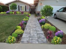 Front Yard and Garden Walkway Landscaping Inspirations 24