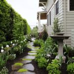 Front Yard and Garden Walkway Landscaping Inspirations 29