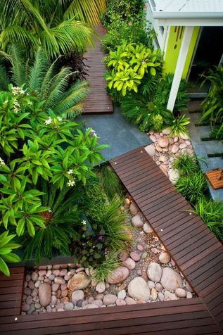 Modern and Contemporary Front Yard Landscaping Ideas 20