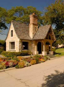 Wonderful European Cottage Exterior Design 51
