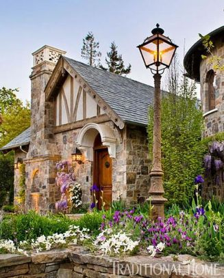 Wonderful European Cottage Exterior Design 60