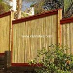 Stunning Creative Fence Ideas for Your Home Yard 28