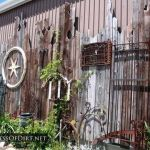 Stunning Creative Fence Ideas for Your Home Yard 32