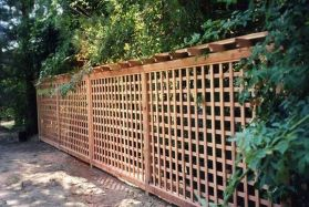 Stunning Creative Fence Ideas for Your Home Yard 59