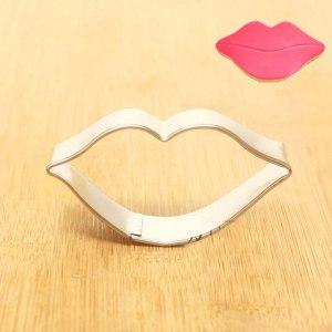Lips cutter