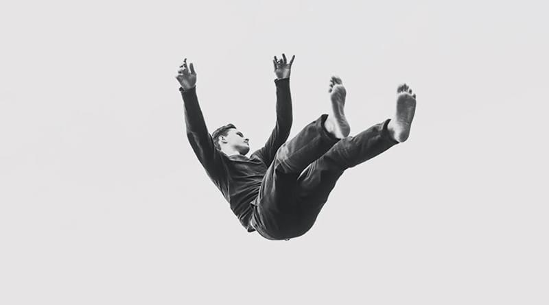 ISLAND, un premier album stratosphérique et sensuel