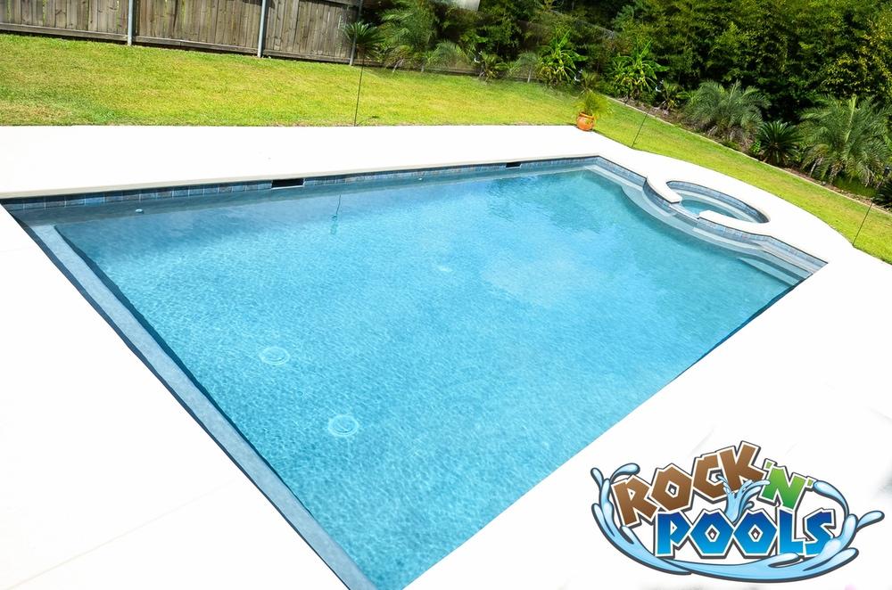 Rock'N'Pools Bluffs Pool Banner