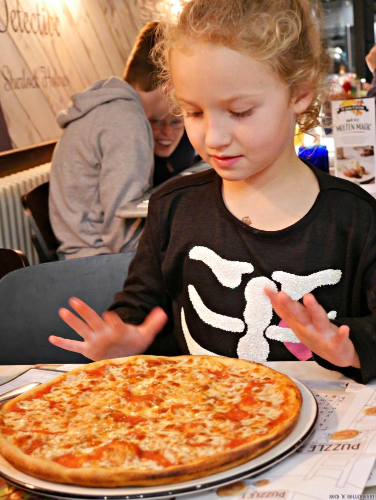 Florence with her HUGE pizza (suffice to say we had to take most of it home in a pizza box)!