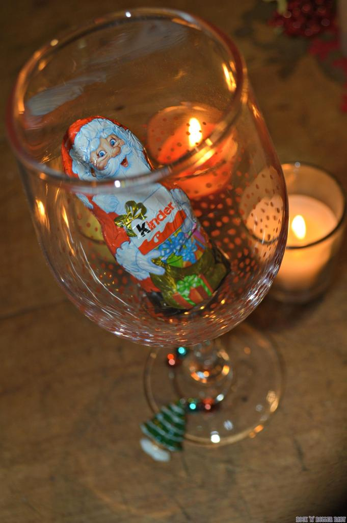 I put chocolate santas in the glasses but Poundland also sell bags of choclate Christmas puddings and Brussels Sprouts which I think would look equally as delightful! Cheers!