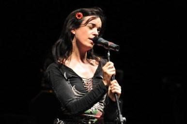 Francesca Ancarola - Canto por Haití