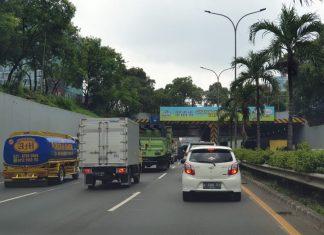 nunggak pajak dilarang beroperasi di jalan raya