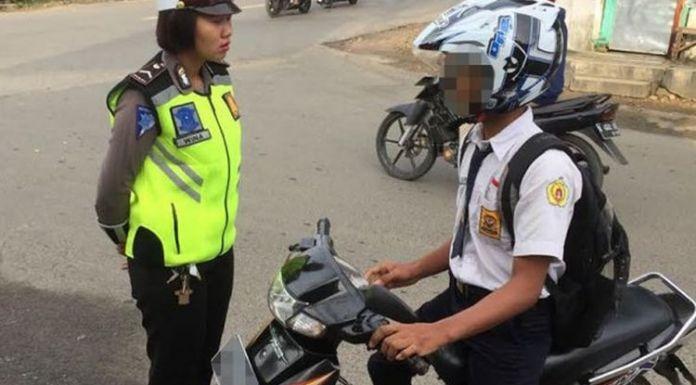 anak sekolah bawa motor