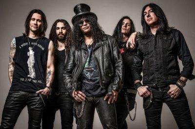 Slash-Band-2015