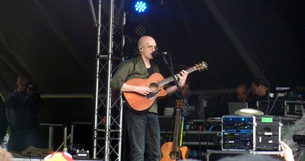 Devin Townsend on stage ar Download 2013