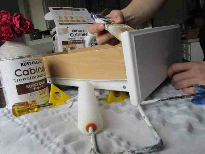 how to paint laminate cabinets,  painted cabinets, rustoleum cabinet kit, paint kitchen cabinets white