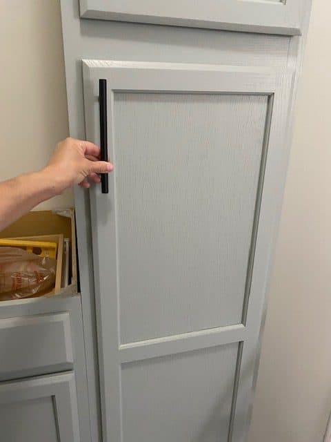 how to paint laundry room cabinets