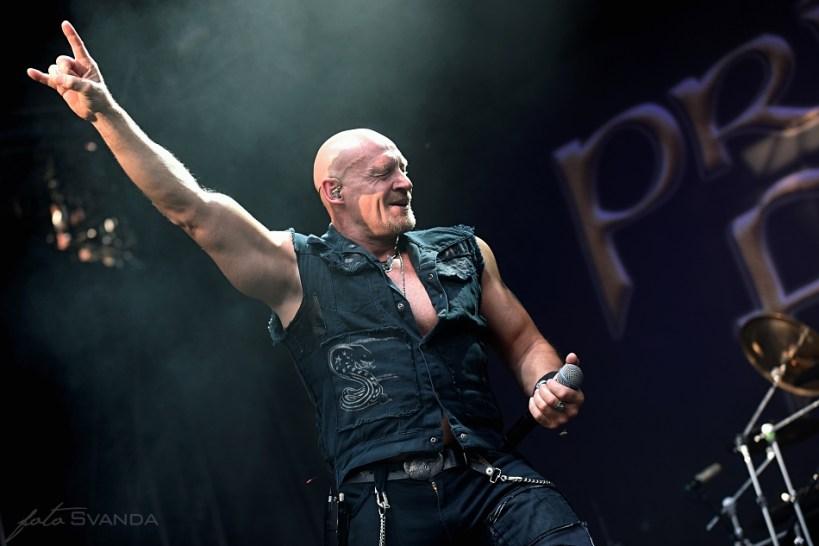 Zpěvák kapely Primal Fear dával do vystoupení emoce.