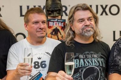 Arakain křtí komiksovou trilogii Metal: Temné noci a přebírá Zlatou desku, Zdeněk Kub a Lukáš Doxa Doksanský