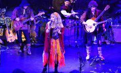Чуйте нова песен на Blackmore's Night с вокалите на 6-годишната дъщеря на Ritchie