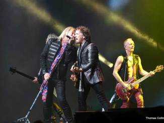 Def Leppard - Photo by Tom Collins - Rock Titan TV