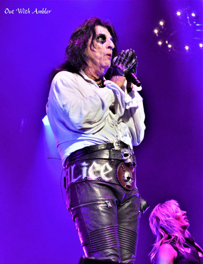 Alice Cooper - Photo by Out With Ambler - Rock Titan