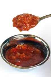 Roasted-Capsicum-Pasta-Sauce-Action-8